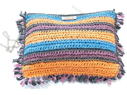 Cartera de mano multicolor bordes nudos